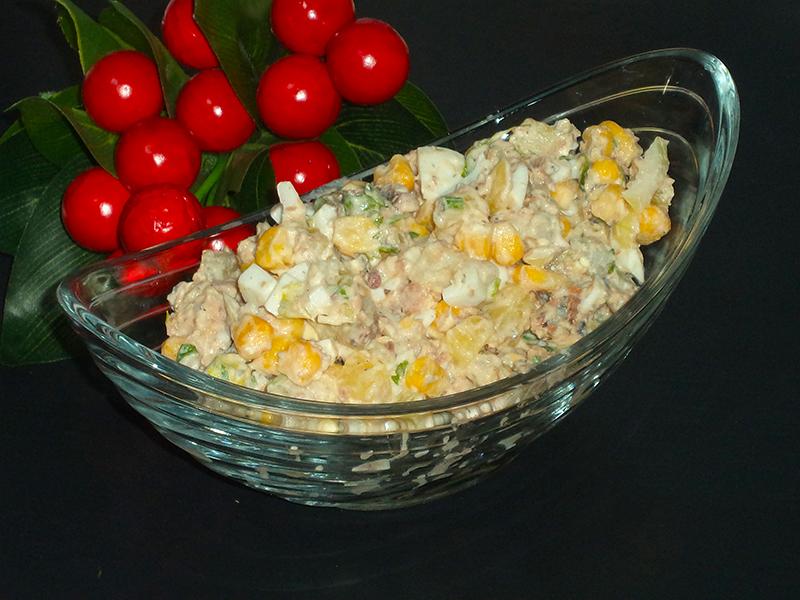 Салат «А-ля Мимоза» с консервированной рыбой и кукурузой