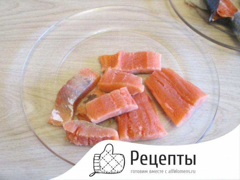Уха из горбуши – рецепт приготовления супа из красной рыбы в домашних условиях