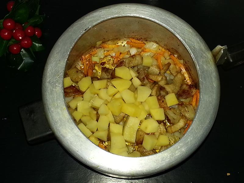 личной картошка в скороварке рецепты с фото чтобы облегчить выбор